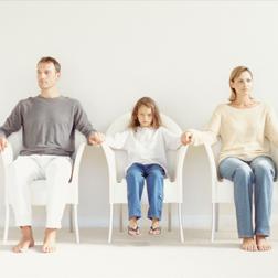 协议离婚之后男方要求解除同居关系,助女方获得两个孩子抚养权
